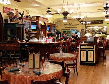 Moms Restaurant Dine Drink Restaurants Downtown Chico Ca